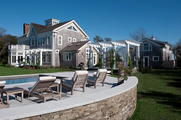 source: http://www.houzz.com/photos/2477104/Cutchogue-Waterfront-Residence-victorian-landscape-new-york